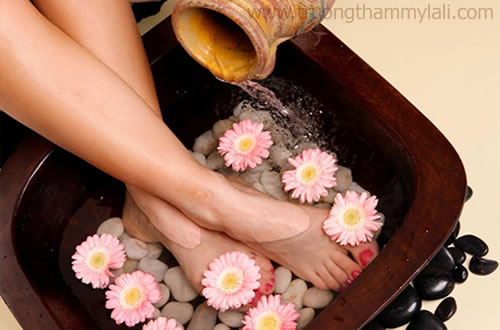 Học foot massage chăm sóc da chân